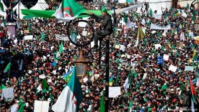"""Argelia :  """"Pacto político por una verdadera transición democrática"""""""