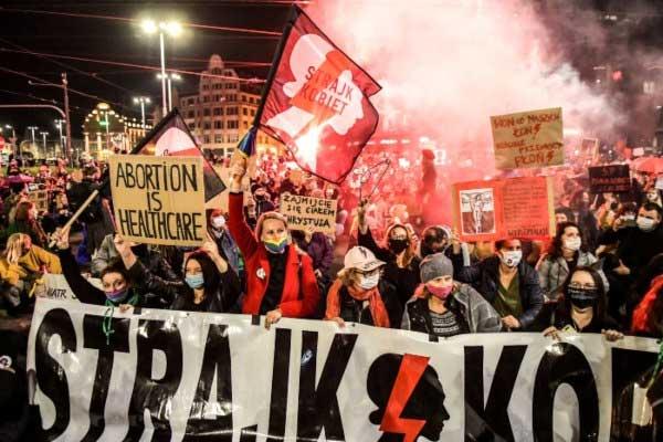 Las mujeres y los jóvenes han iniciado una revolución cultural en Polonia
